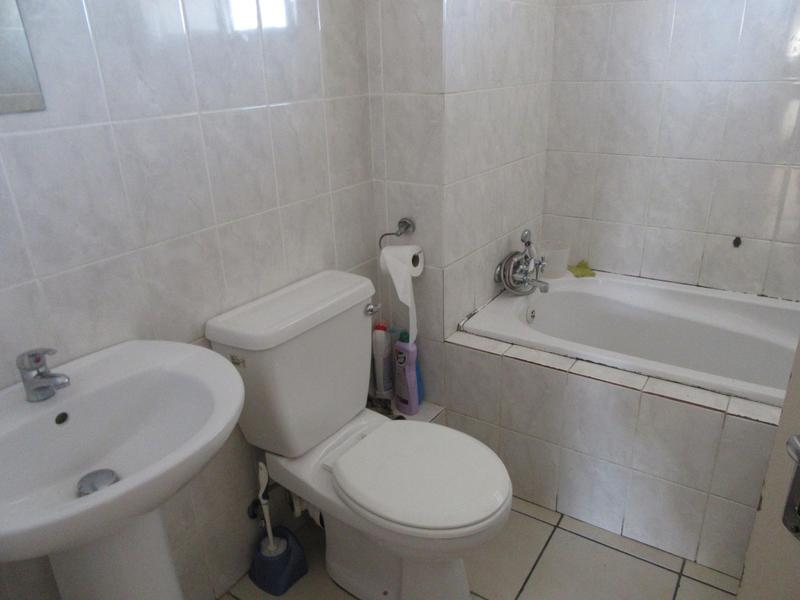 Property For Sale in Kensington, Cape Town 7