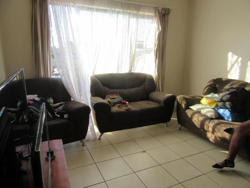 Property For Sale in Kensington, Cape Town 9