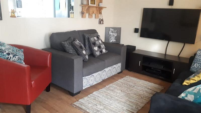 Property For Sale in Factreton, Cape Town 6