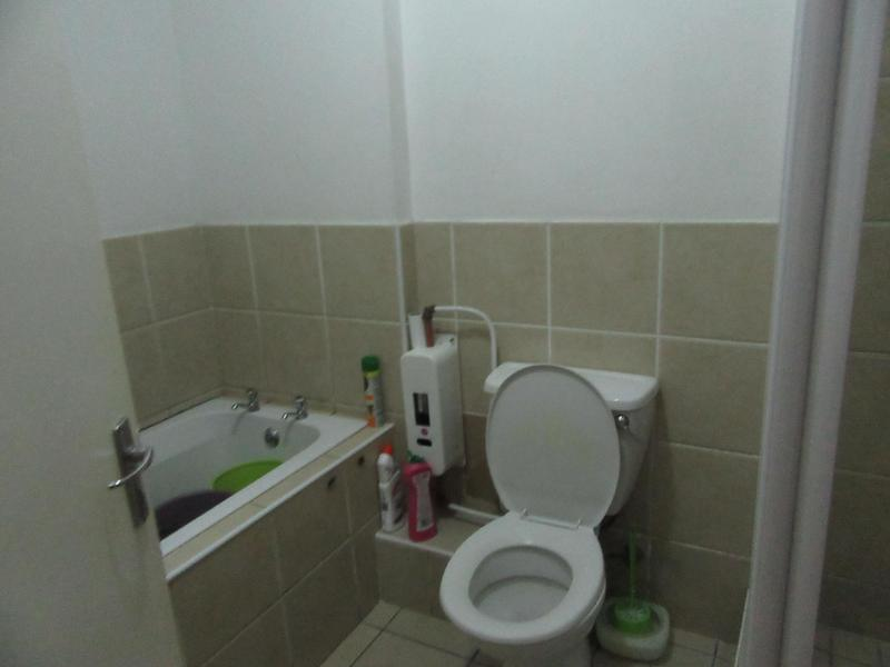 Property For Sale in Maitland, Cape Town 9